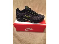 Nike Tns (black/lime) sizes 7-8-9-10 available POSTAGE-DELIVERY-COLLECTION