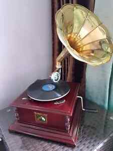 Mint condition fully functional GRAMOPHONE