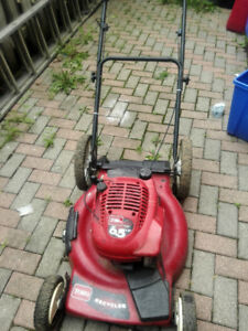 LAWNMOVER TORO 6.5 HP IN GREAT WORKING CONDITION
