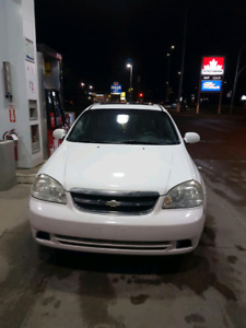 2005 Chevrolet Optra. Low km and fresh safety