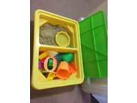 Motion Sand with box and toys.(reserved)