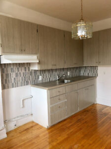Renovated 5-1/2 in Verdun available immediatelly