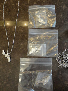 4 Brand New Pewter Twisted Barrel Pistol Necklaces -$4.00 each Kitchener / Waterloo Kitchener Area image 5
