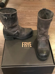 FRYE BOOTS - ENGINEER 12R - CHARCOAL - LADIES SIZE 7 - LIKE NEW