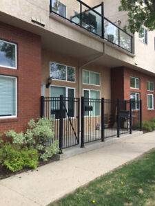 WESTMOUNT 1 bedroom +Den OPEN CONCEPT LIVING