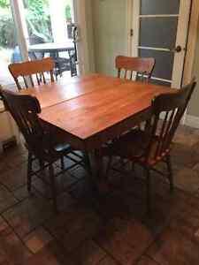 table et chaises press back