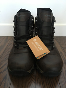 MENS BRAND NEW HIKING BOOTS. SIZE 13.