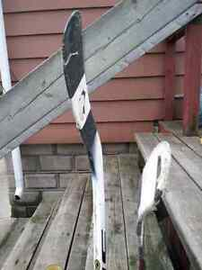 Hockey sticks and size 4 skates Sarnia Sarnia Area image 2