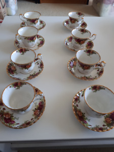 Royal Albert Old Country Roses cups and saucers