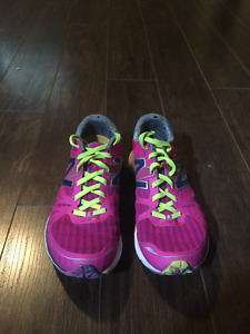 New Balance Running Shoes SIZE 7.5