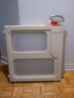 Safety 1st Perfect Fit Gate 25$