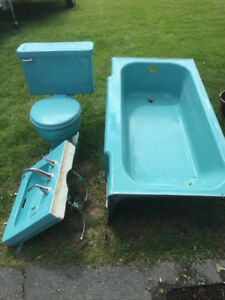 Cast iron bathtub sink and toilet to match