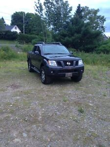 2010 Nissan Frontier PRO4X Crew Pickup Truck Only $10,000!!!