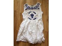 TU womens size 8 Greek dress