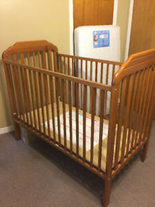 Crib and mattress for sale in excellent condition