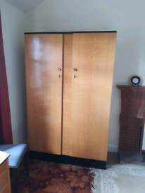3 peice 1930/40's's bedroom furniture 2 wardrobes 1 dressing table