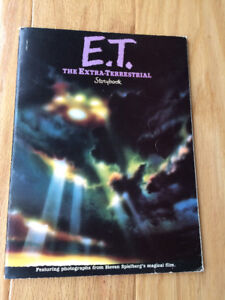 E.T. Movie Collectibles (vintage - 1982) book~ring~trading cards