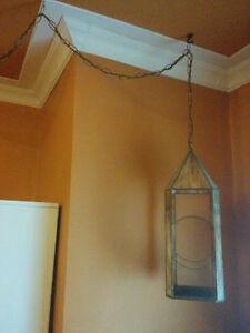 Curio suspendu illuminé (vitrail)