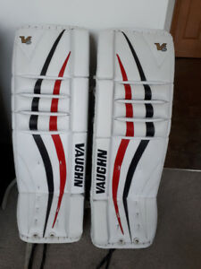 vaughn Velocity Intermediate goalie pads
