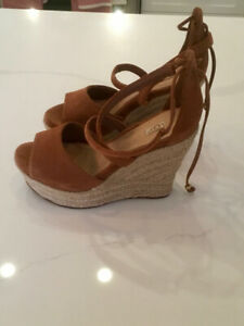 Ugg wedge sandals size 6 - small feet - Brand New - $50