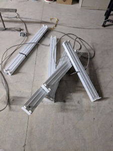 6 xUsed 2-Light White Electronic Channel Fluorescent Strip Light