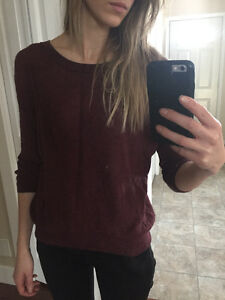 Aritzia Wilfred burgundy sweater small