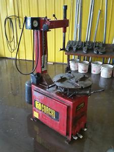 Machine a pneu / Tire Machine