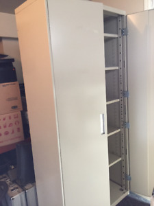 Armoire metal Lincora Metal Storage cabinet 5 shelve 36X18X78