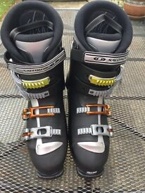 Ski boots size 10 with bag
