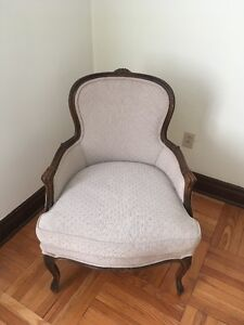 Belle Chaise / Beautiful Chair