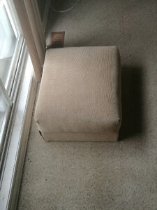 Furniture everything must go-Moving sale