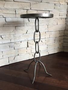 Petite Table Decorative **** Unique Accent Table