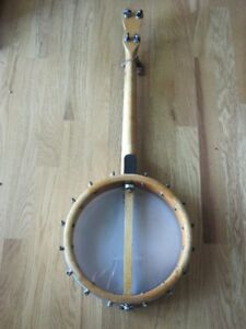 VINTAGE WEATHER KING BANJO