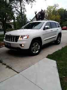 2011 Jeep Grand Cherokee Limited SUV, Crossover