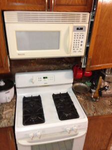 Stoves,ovenes &microwave good condition.
