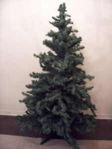 5.5ft Tall Artificial Christmas Tree for sale I DELIVER