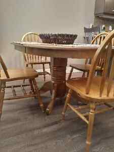 Pedestal Dining Table c/w 4 Chairs