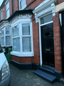 2 bed terrace house available to let.