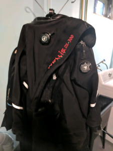 Hollis dx300 drysuit and undergarments scuba