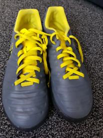 Nike size 5 boys trainers