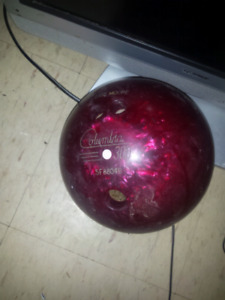 COLUMBIA 300 BOWLING BALL (15LBS)