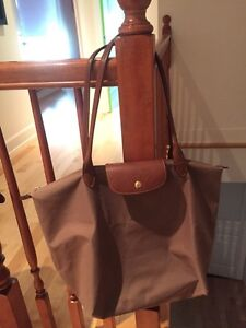 Navy blue and beige Longchamp bag