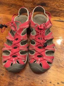 Women's Keen sandals size 11 excellent condition  Kitchener / Waterloo Kitchener Area image 1