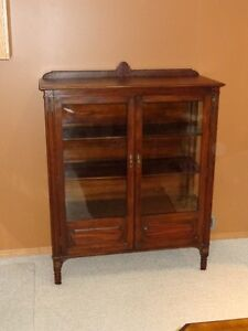 Vintage 1930s Walnut China Cabinet or Curio Case