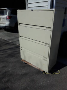 Free filing cabinet in Rayleigh