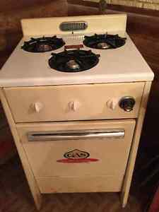 Antique 3 burner gas stove and gas over Apartment size