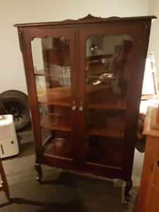 Beautiful Antique Solid Wood & Glass China Cabinet