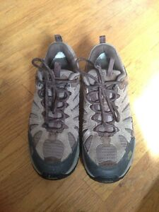 Men's brand new north face hikers