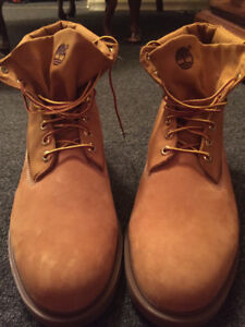 Brand new never worn size 14 men's Timberland boots.