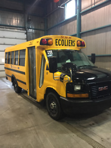 Mini-Bus scolaire GMC 2009